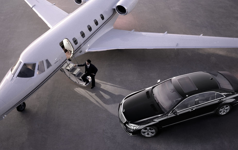 chauffeur-drive-car-airport